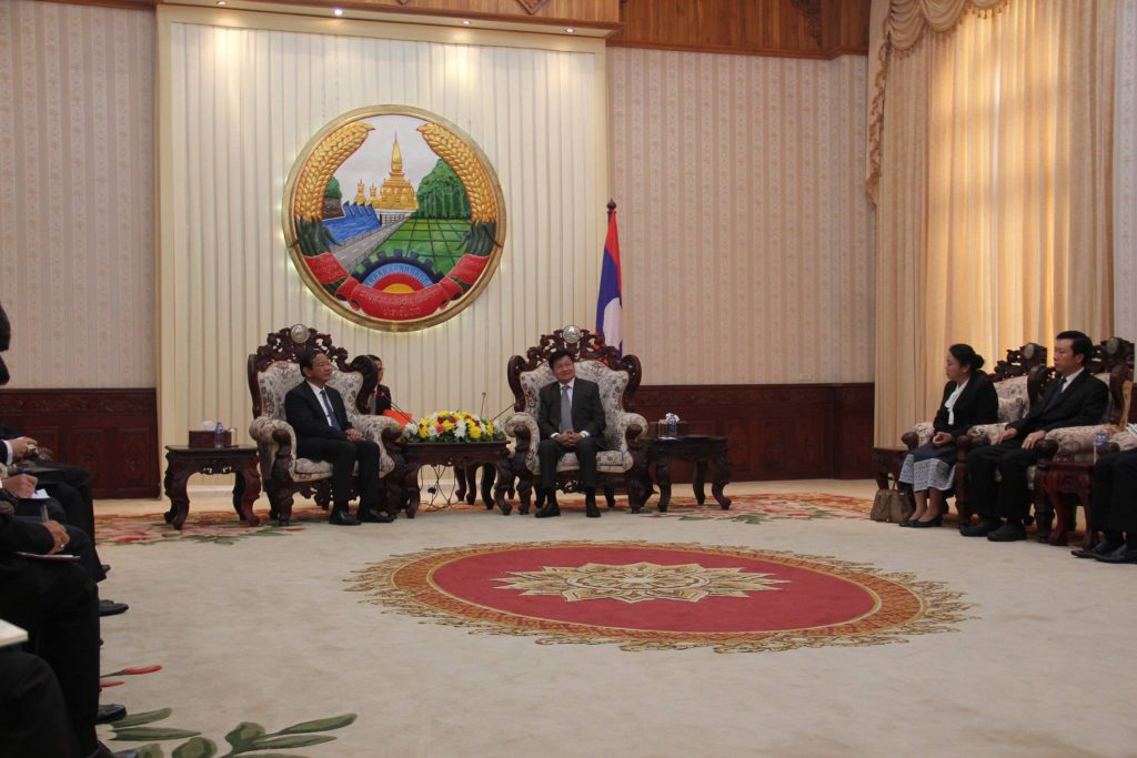 sm-paid-official-visit-to-lao-met-with-pm